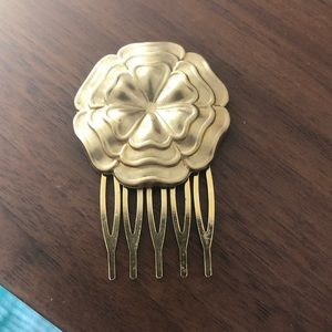 Accessories - Brass flower hair comb clip